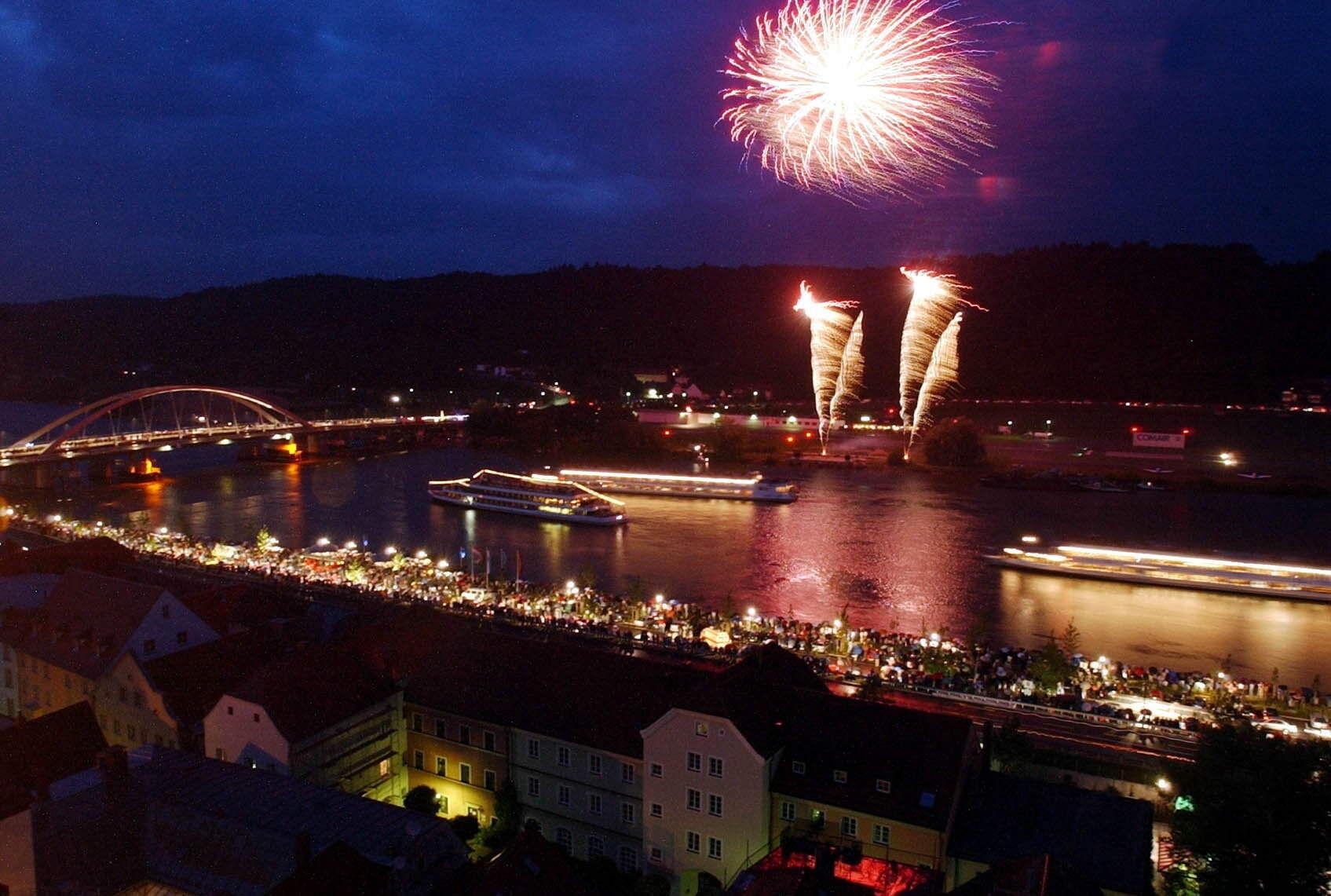 Donau in flammen vilshofen 2020